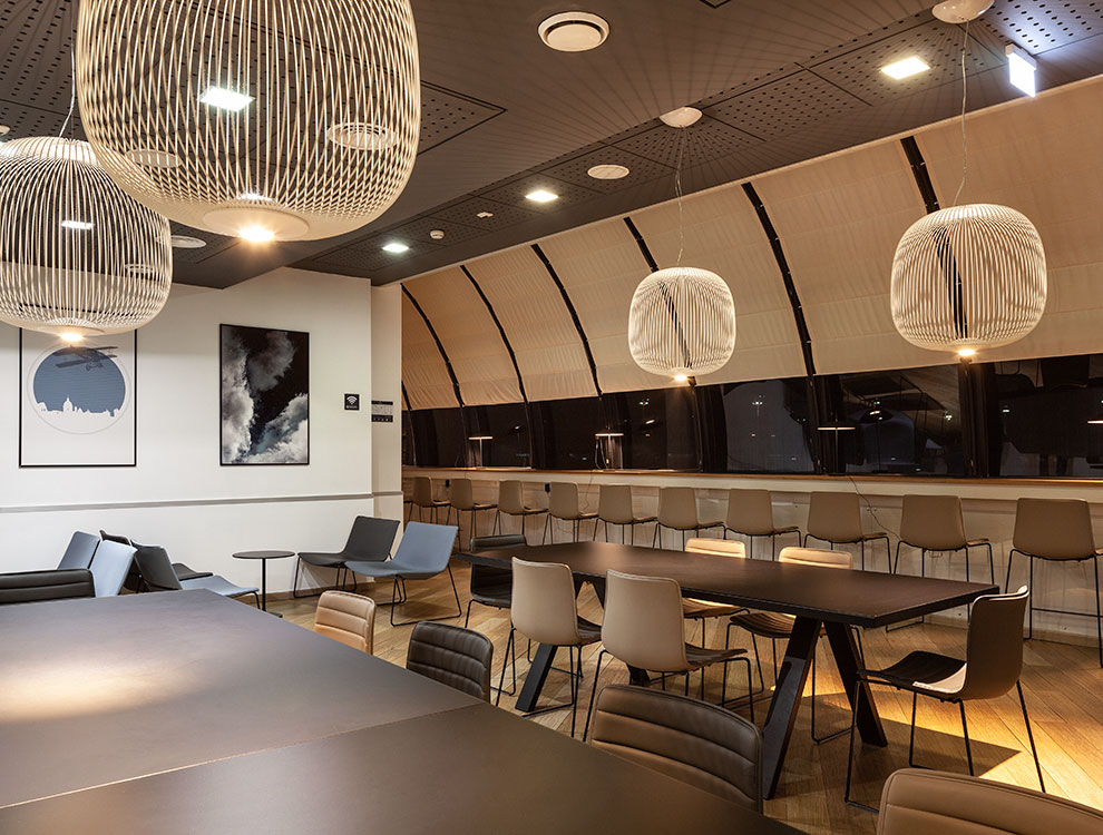 AVIA-LOUNGE-AVIA-PARTNER-FIUMICINO-ROME-UP-TO-YOU-STUDIO-HALF
