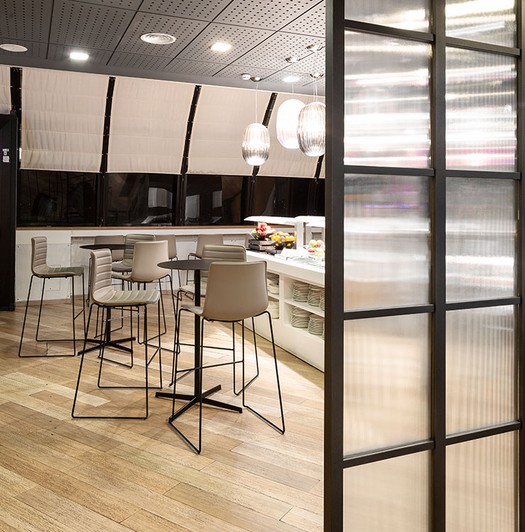 AVIA-LOUNGE-AVIA-PARTNER-FIUMICINO-ROME-UP-TO-YOU-STUDIO-VERTICAL-2